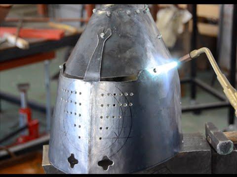 普段使い用の甲冑を作る。黒鉄のグレートヘルム。Making a Black Great helm