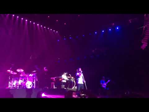 Maroon 5 - Sunday Morning ( Red Pill Blues Tour Live in Bangkok 2019 )