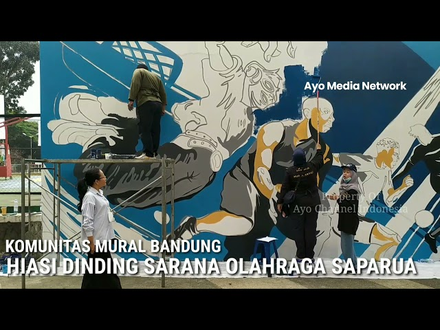 KOMUNITAS MURAL BANDUNG HIASI DINDING SARANA OLAHRAGA SAPARUA