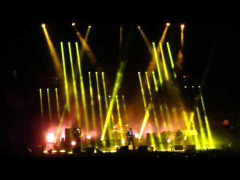 Old Yellow Bricks- Arctic Monkeys Live In NYC Feb 8th 2014