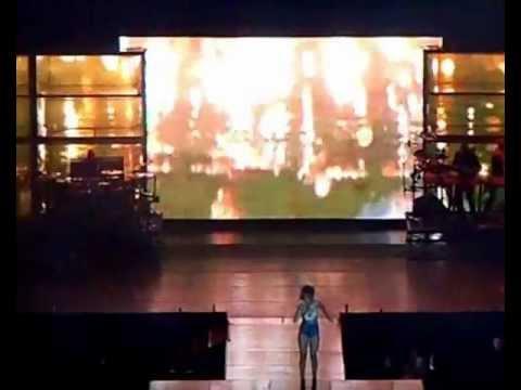 Rihanna live in Brazil (Belo Horizonte) 18.set.2011 - www.fervecao.com