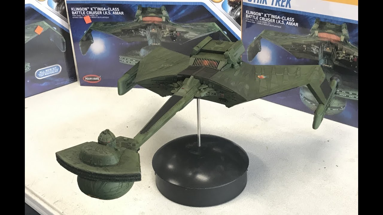 Building the 1/350 Star Trek Klingon k't'inga battle cruiser Polar Lights  new kit with lights