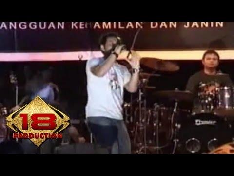 Jikustik - Pandangi Langit Malam Ini   (Live Konser Palembang 05 November 2005)