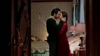 Kriti hot kiss and sex in raaz reboot