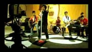 Hanya Bermodal Cinta - Eric.mp4 MP3