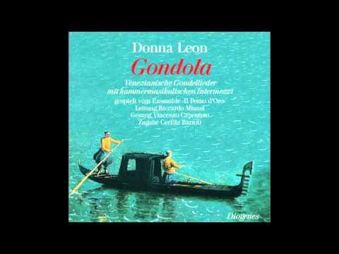 """Vincenzo Capezzuto sings """"La biondina in gondoletta"""""""