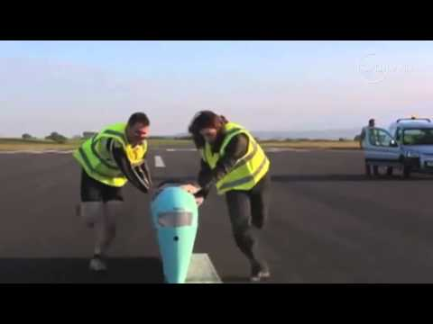 Breaking the human powered land speed record