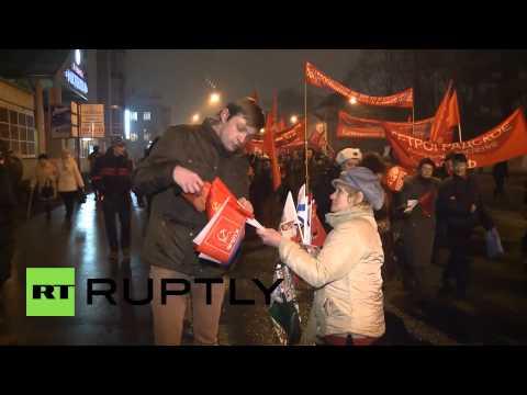 Russia: St Petersburg marks 97th anniversary of October Revolution