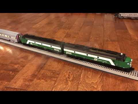 Lionel Legacy Burlington Northern E8's