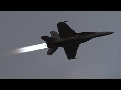 F/A-18F SUPER HORNET AFTERBURNER PASSES @ 2017 NAS Oceana Airshow Beach Blast
