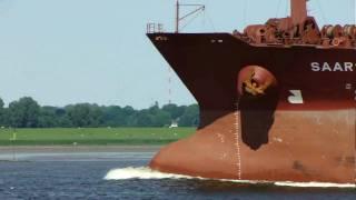 """""""SAAR N"""" auf der Elbe bei Hamburg"""