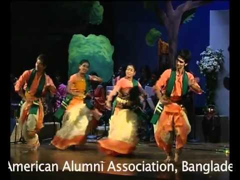 Moru bijoyero ketono urao: Tagore and the West Chorus with group dance, courtesy Shadhona