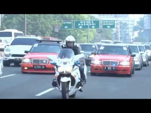mercedes benz w202 club indonesia : trailer tour de museum jakarta