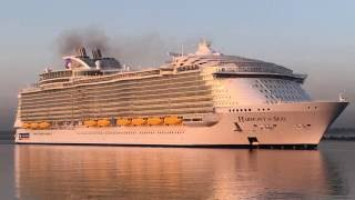 Harmony of the Seas in Southampton timelapse