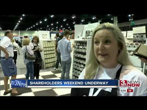 Berkshire Hathaway shareholders meeting 5pm