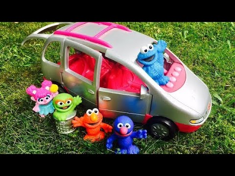Musical FISHER PRICE Van Ride To The Pool With SESEME Street Toys!