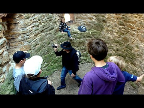 Die Wachtenburg - YouTube