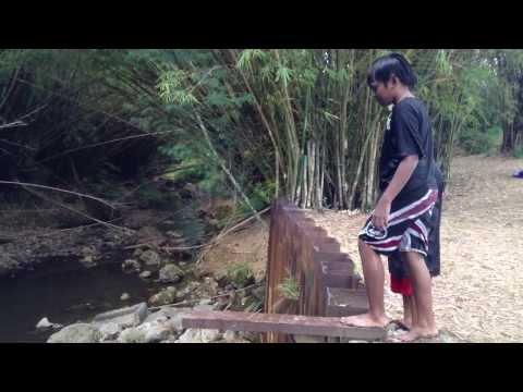 Varen first jump at the river at Yona