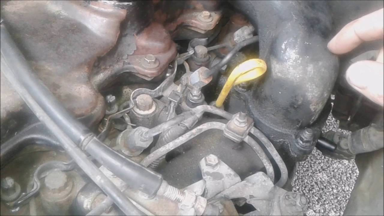 How To Change Toyota Hiace Fuel Filter Youtube 87 Truck