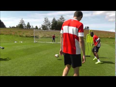 TRAINING: Finishing Masterclass with the Leyton Orient stikers