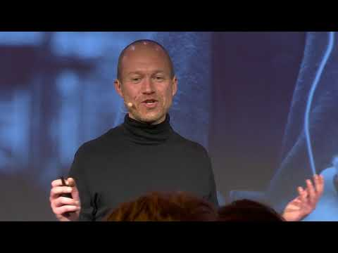 From smartphone addiction to human connection | Ritzo ten Cate | TEDxBreda