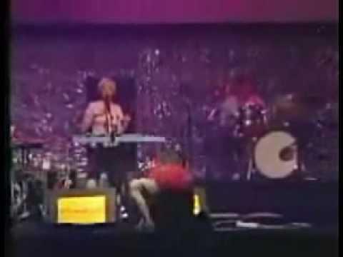 Dot Allison - Substance - Live at Benicassim 2002