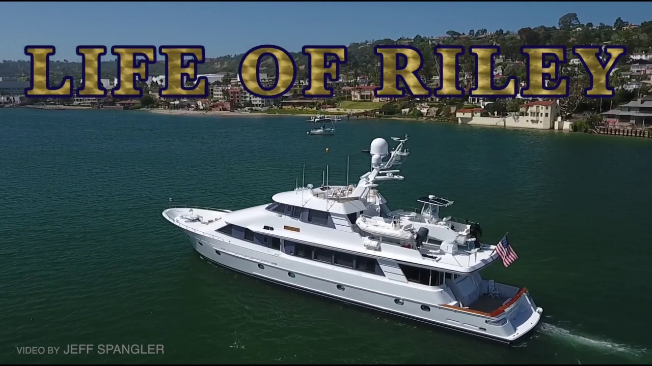115' Crescent Tri-Deck Motoryacht 'LIFE OF RILEY' $5,995,000