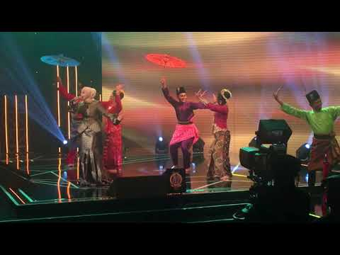 Ziana Zain - Indah Di Hari Raya ( Konsert Dimensi Legenda Raya)