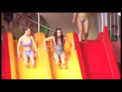 Слетающий у девушки купальник, домашнее порно ебля по пьянке