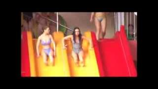 В аквапарке, девушка потеряла купальник | In the water park, the girl lost her swimsuit(In the water park, the girl lost her swimsuit., 2015-05-21T21:27:56.000Z)