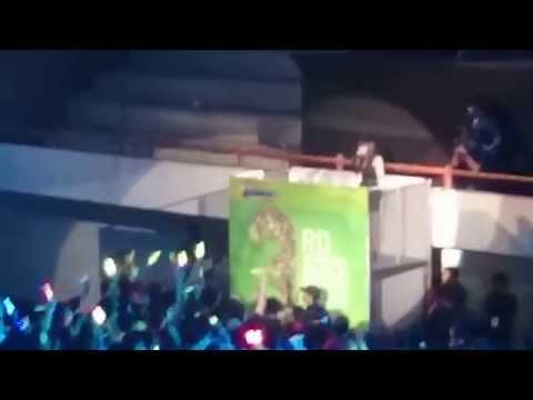 Rona JKT48 (FANCAM) Nakinagara Hohoende Live