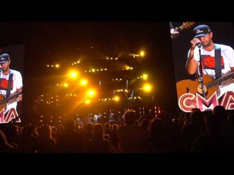 Luke Bryan - Drink a Beer (w/ moment of silence) (Live CMA Fest 2016)