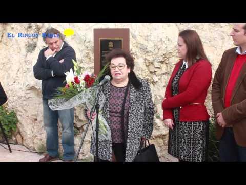 Placa en recuerdo de las víctimas de Carretera Málaga Almería.