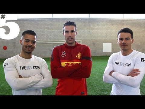 Robin van Persie Freestyle Skills | #5 Players Lounge