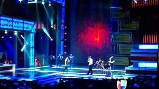 """Zuria Vega & Alexander Acha """"Amor Sincero"""" en Premios TV y Novelas 2013"""