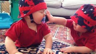Les enfants les plus drôles et leurs blagues adorables – le rire garanti!