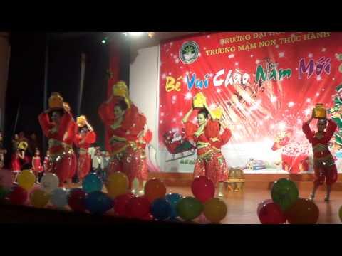 Điệu múa của giáo viên trường MNTH ĐH Vinh.MPG