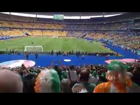 Irish fans sing Fields of Athenry in Paris