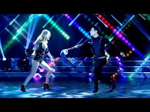 Esmeralda Mitre y Santiago Almaraz bailaron