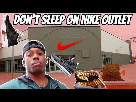 THEY TRIED TO KICK ME OUT NIKE OUTLET!!! *FOUND SOMETHING NICE*