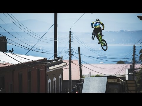 The City that Transforms to an Urban MTB Paradise | Valparaí