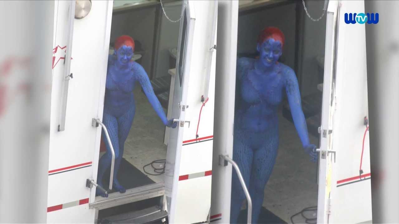 Jennifer Lawrence Rocks Mystique Bodysuit And Paint Youtube