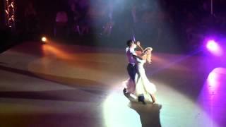 Katrina et Maxime Dereymez sur une valse anglaise à la patinoire Polesud de Grenoble