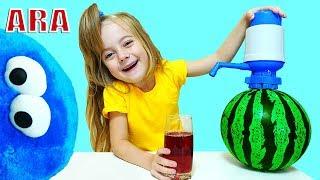 Ulya يلعب مع البطيخ وأغاني الأطفال