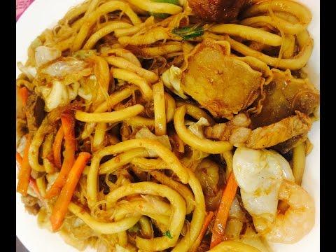 Food Crawling at Binondo, Manila