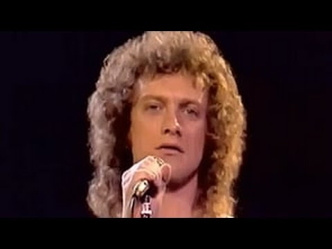 Waiting For A Girl Like You - Foreigner  (HQ/1080p)