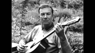 Pete Seeger - The bells of Rhymney (Live performance)