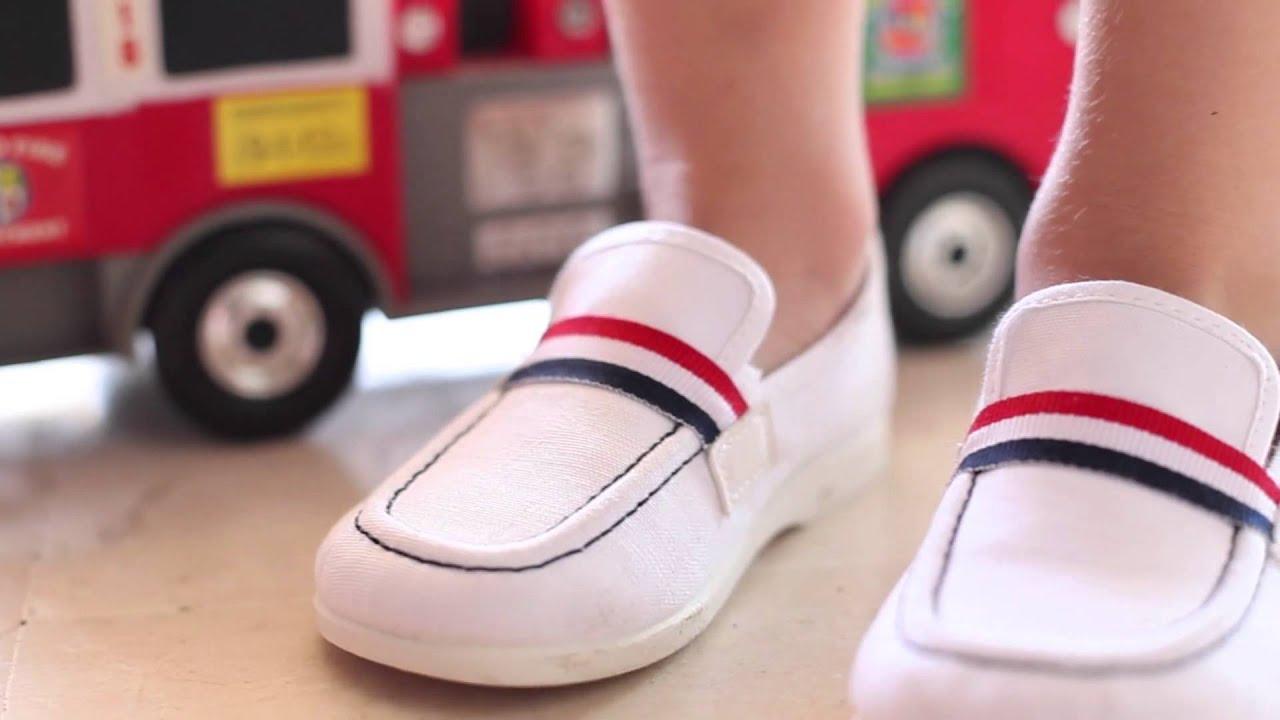 Zapatos blancos marineros para bebé 2RVlnbHRi