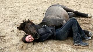 The incredible bond between human and horse thumbnail