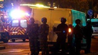 Видео перестрелки полиции с боевиками в Париже    PARIS TERROR ATTACK FRANCE(Почти – потому что одиннадцать лет назад, 11 марта 2004 г. в столице Испании, Мадриде, прогремело десять взрыво..., 2015-11-15T20:32:06.000Z)